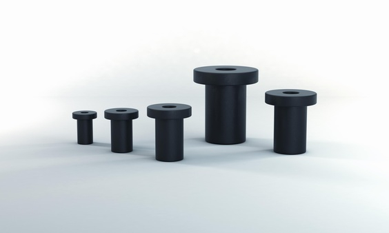 De Flex Locs worden bevestigd met standaardschroeven in de maten M3 tot M8, en worden als isolerend verbindingselement aangebracht.
